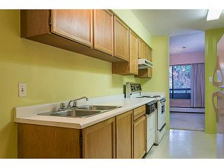 """Photo 2: 302 1720 W 12TH Avenue in Vancouver: Fairview VW Condo for sale in """"TWELVE PINES"""" (Vancouver West)  : MLS®# V1121634"""