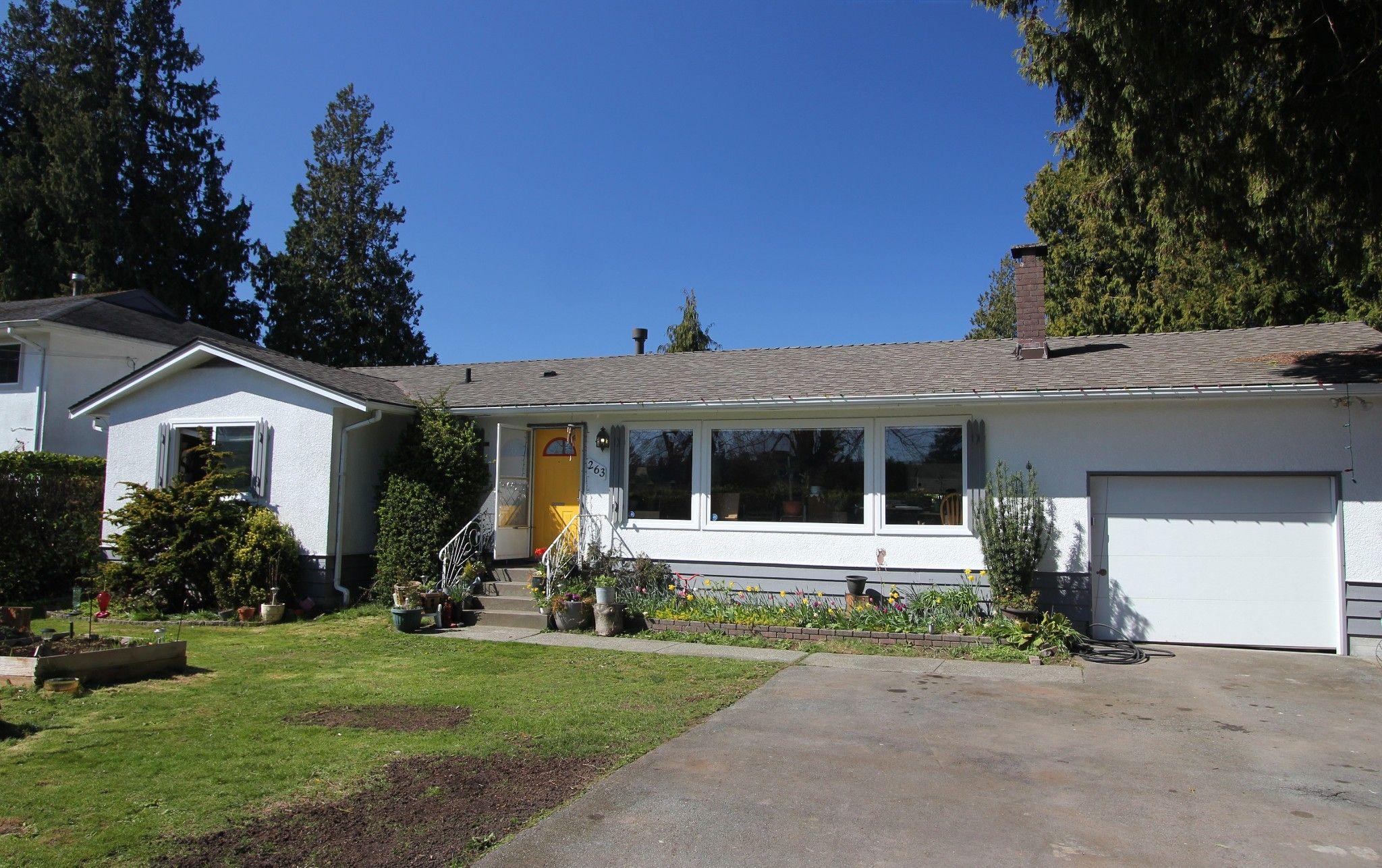 Main Photo: 263 52A Street in Delta: Pebble Hill House for sale (Tsawwassen)  : MLS®# R2566058
