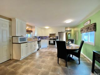 Photo 2: 427 Park Avenue in Outlook: Residential for sale : MLS®# SK866834