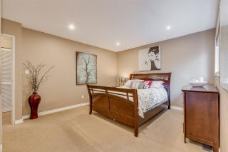 Photo 11: 1967 CEDAR VILLAGE Crescent in North Vancouver: Westlynn Townhouse for sale : MLS®# R2355818