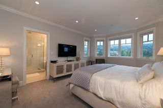 """Photo 14: 939 INGLEWOOD Avenue in West Vancouver: Sentinel Hill House for sale in """"Sentinel Hill"""" : MLS®# R2143743"""