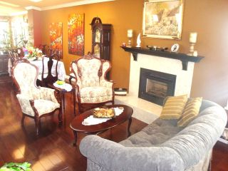 Photo 11: 867 Stayte Rd in White Rock: Home for sale