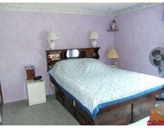 Photo 14: 13465 68A Avenue in Surrey: West Newton 1/2 Duplex for sale : MLS®# F2828620