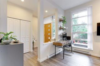 """Photo 7: 104 3096 WINDSOR Gate in Coquitlam: New Horizons Townhouse for sale in """"MANTYLA"""" : MLS®# R2602217"""
