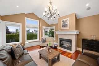 """Photo 10: 23107 80 Avenue in Langley: Fort Langley House for sale in """"Forest Knolls"""" : MLS®# R2623785"""