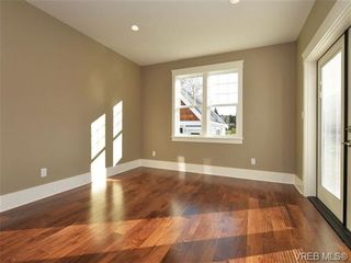 Photo 9: 3153 Alder St in VICTORIA: Vi Mayfair House for sale (Victoria)  : MLS®# 693276