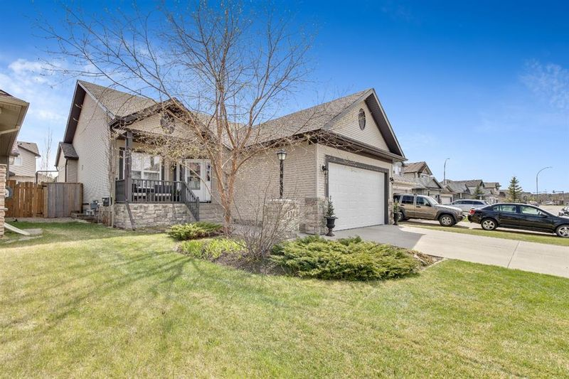 FEATURED LISTING: 121 Cimarron Park Circle Okotoks