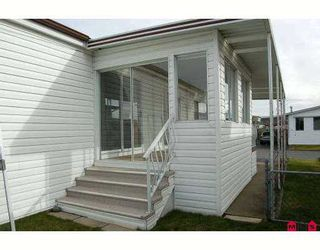 """Photo 2: 14 2303 CRANLEY Drive in White Rock: King George Corridor Manufactured Home for sale in """"SUNNYSIDE ESTATES"""" (South Surrey White Rock)  : MLS®# F2701302"""