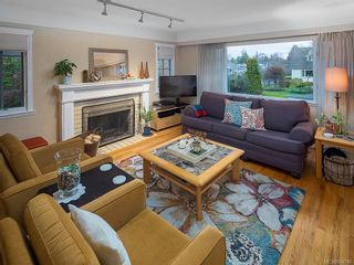 Photo 4: 2515 Central Ave in : OB South Oak Bay House for sale (Oak Bay)  : MLS®# 854746