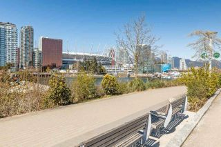 "Photo 29: 186 ATHLETES Way in Vancouver: False Creek Condo for sale in ""VILLAGE ON FALSE CREEK - BRIDGE"" (Vancouver West)  : MLS®# R2575530"