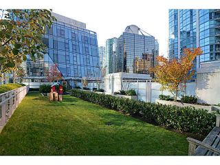 "Photo 10: 1202 1499 W PENDER Street in Vancouver: Coal Harbour Condo for sale in ""WEST PENDER PLACE"" (Vancouver West)  : MLS®# R2083751"