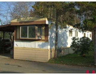 """Photo 2: 100 8190 KING GEORGE Highway in Surrey: Bear Creek Green Timbers Manufactured Home for sale in """"King George Trailer Park"""" : MLS®# F2817121"""