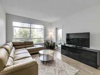 """Photo 2: 305 617 SMITH Avenue in Coquitlam: Coquitlam West Condo for sale in """"The Easton"""" : MLS®# R2599277"""