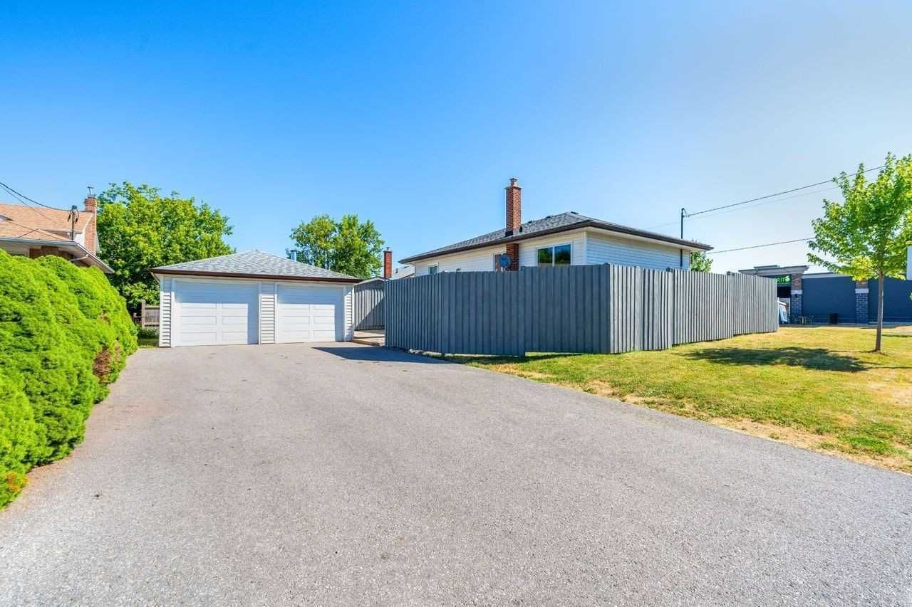 Photo 6: Photos: 26 East Lawn Street in Oshawa: Donevan House (Bungalow) for sale : MLS®# E4818284