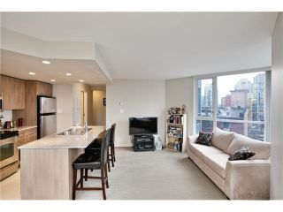 """Photo 4: 808 1212 HOWE Street in Vancouver: Downtown VW Condo for sale in """"1212 HOWE"""" (Vancouver West)  : MLS®# V1103940"""