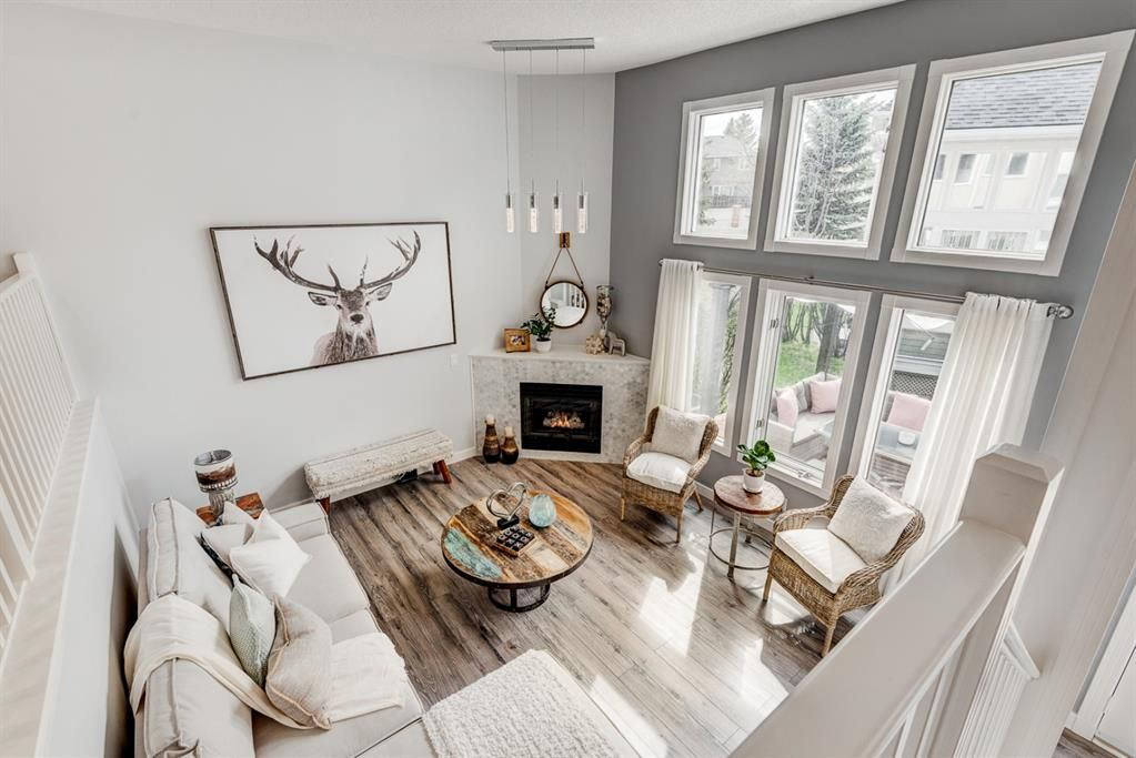 Main Photo: 91 Candle Terrace SW in Calgary: Canyon Meadows Row/Townhouse for sale : MLS®# A1107122