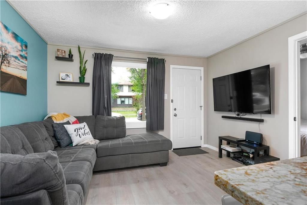 Photo 5: Photos: 497 Chelsea Avenue in Winnipeg: Residential for sale (3D)  : MLS®# 202115705