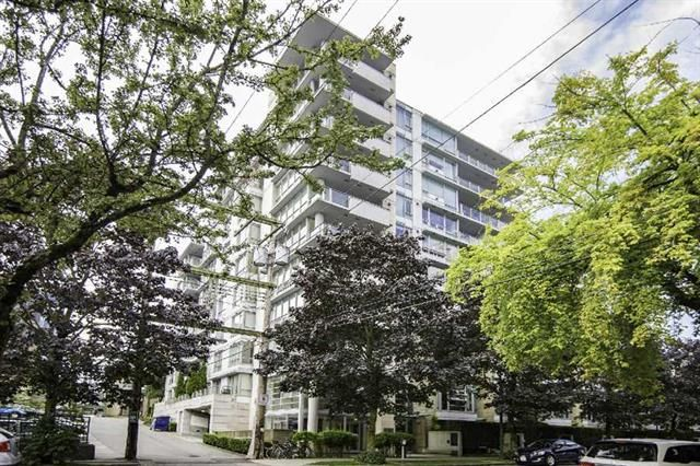 Main Photo:  in : Vancouver West Condo for sale : MLS®# R2094504