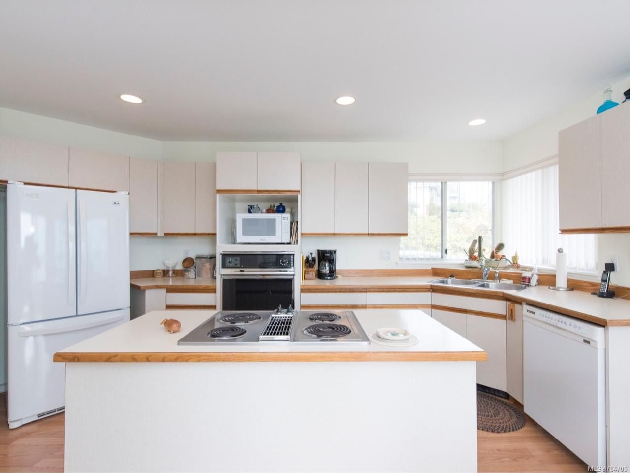 Photo 10: Photos: 3628 Panorama Ridge in COBBLE HILL: ML Cobble Hill House for sale (Malahat & Area)  : MLS®# 784700