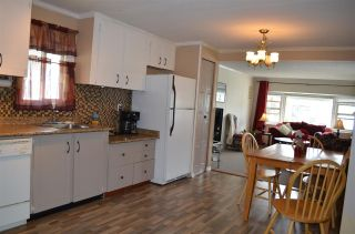 """Photo 7: 2152 CUMBRIA Drive in Surrey: King George Corridor Manufactured Home for sale in """"CRANLEY PLACE"""" (South Surrey White Rock)  : MLS®# R2165076"""
