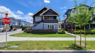 Photo 2: 35 188 WOOD STREET in New Westminster: Queensborough Townhouse for sale : MLS®# R2593410