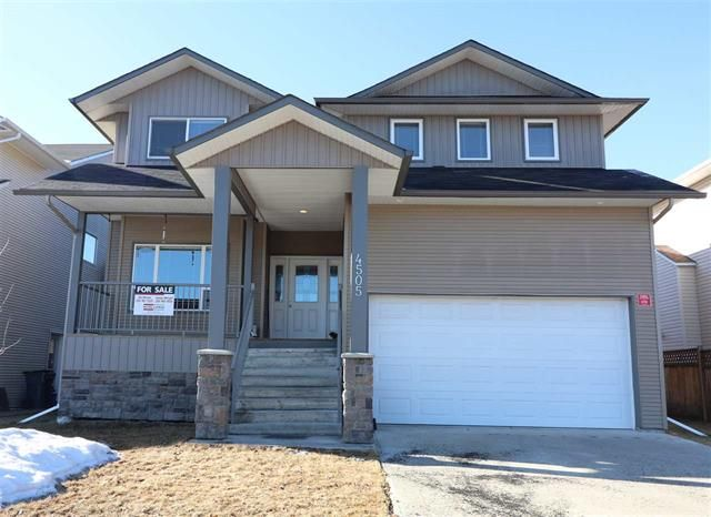 Main Photo: : House for sale : MLS®# R2373658
