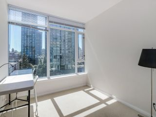 """Photo 14: 803 1211 MELVILLE Street in Vancouver: Coal Harbour Condo for sale in """"The Ritz"""" (Vancouver West)  : MLS®# R2084525"""