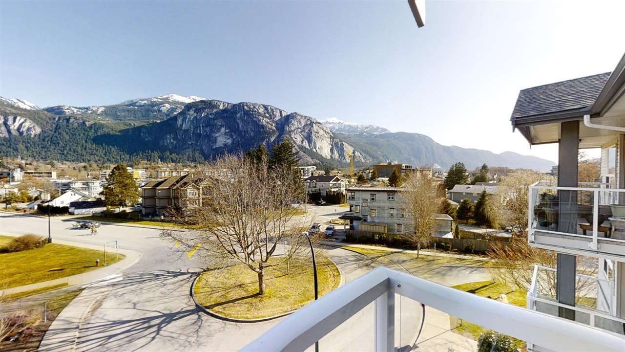 "Main Photo: 402 1203 PEMBERTON Avenue in Squamish: Downtown SQ Condo for sale in ""EAGLE GROVE"" : MLS®# R2553642"