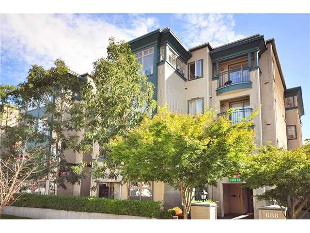 """Main Photo: 208 688 E 16TH Avenue in Vancouver: Fraser VE Condo for sale in """"VINTAGE EAST SIDE"""" (Vancouver East)  : MLS®# V850110"""
