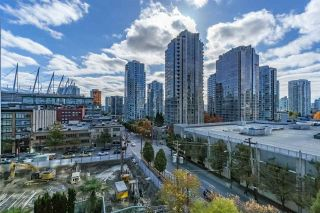 "Photo 13: 401 888 HAMILTON Street in Vancouver: Downtown VW Condo for sale in ""ROSEDALE GARDEN"" (Vancouver West)  : MLS®# R2215482"