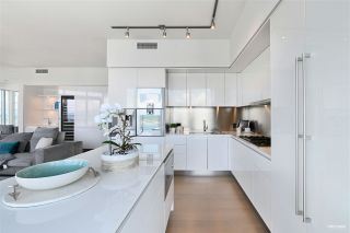 Photo 9: 6705 1151 W GEORGIA Street in Vancouver: Coal Harbour Condo for sale (Vancouver West)  : MLS®# R2501474