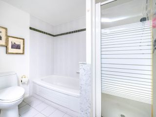 "Photo 14: 1009 1500 HOWE Street in Vancouver: Yaletown Condo for sale in ""The Discovery"" (Vancouver West)  : MLS®# R2561951"