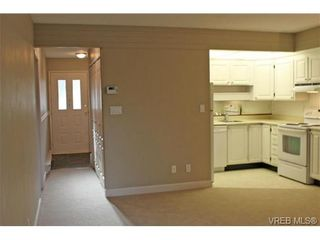 Photo 2: 206 2341 Harbour Rd in SIDNEY: Si Sidney North-East Row/Townhouse for sale (Sidney)  : MLS®# 690395