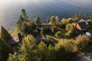 Photo 3: 8233 West Coast Rd in Sooke: Sk West Coast Rd House for sale : MLS®# 887298