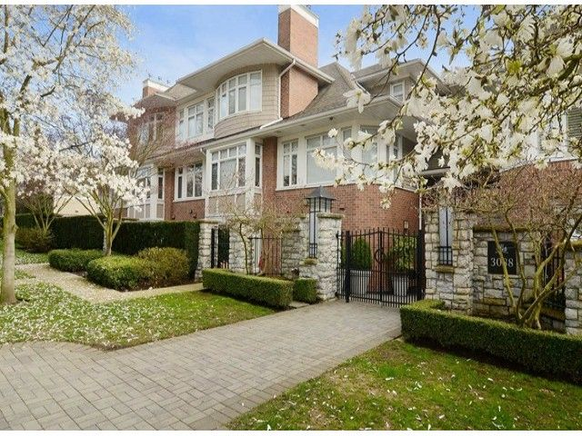 """Main Photo: 302 3088 W 41ST Avenue in Vancouver: Kerrisdale Condo for sale in """"THE LANESBOROUGH"""" (Vancouver West)  : MLS®# V1056854"""