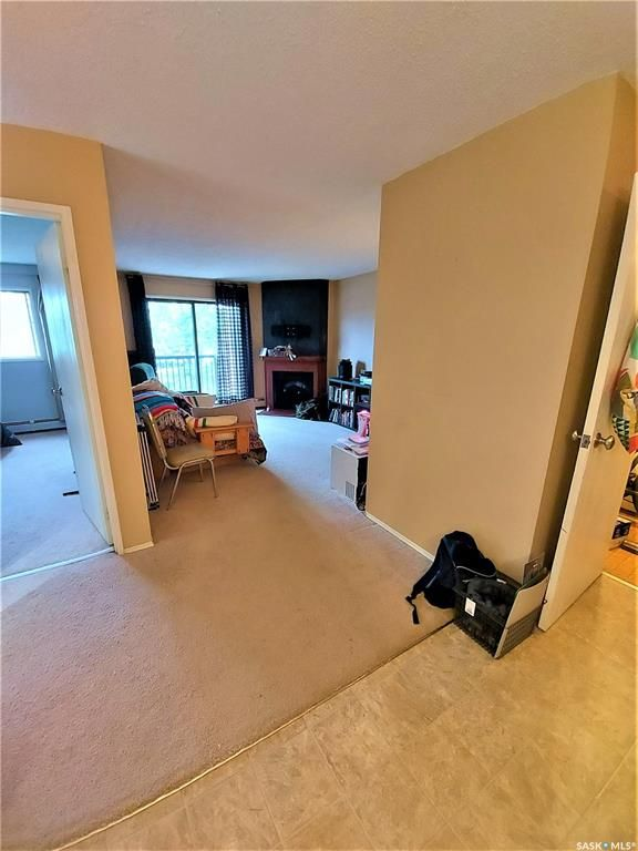 Main Photo: 204 802A Kingsmere Boulevard in Saskatoon: Lakeview SA Residential for sale : MLS®# SK856263
