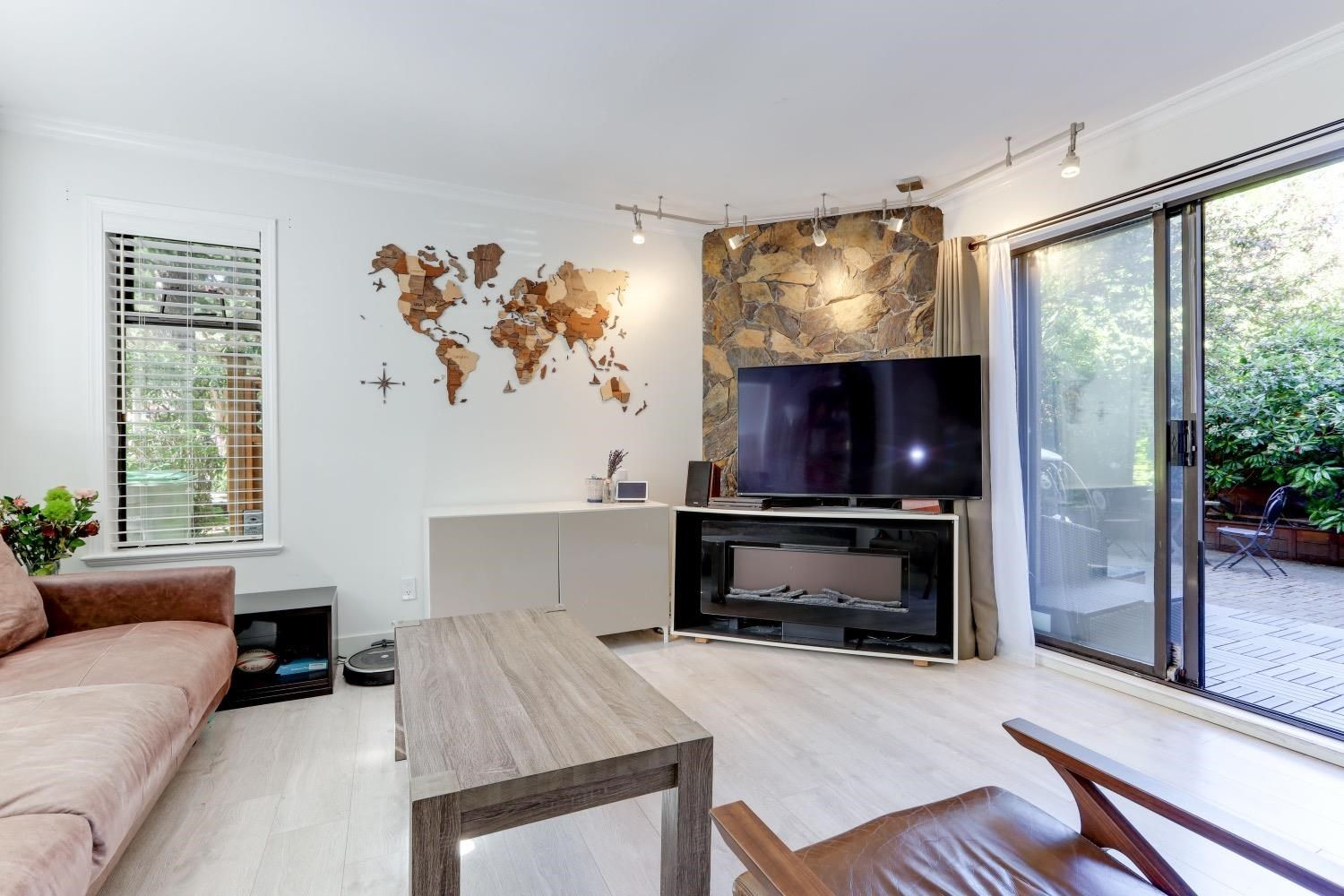 Main Photo: 2366 YEW Street in Vancouver: Kitsilano Condo for sale (Vancouver West)  : MLS®# R2606904