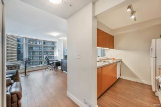 """Photo 6: 1301 1288 ALBERNI Street in Vancouver: West End VW Condo for sale in """"Palisades"""" (Vancouver West)  : MLS®# R2614069"""