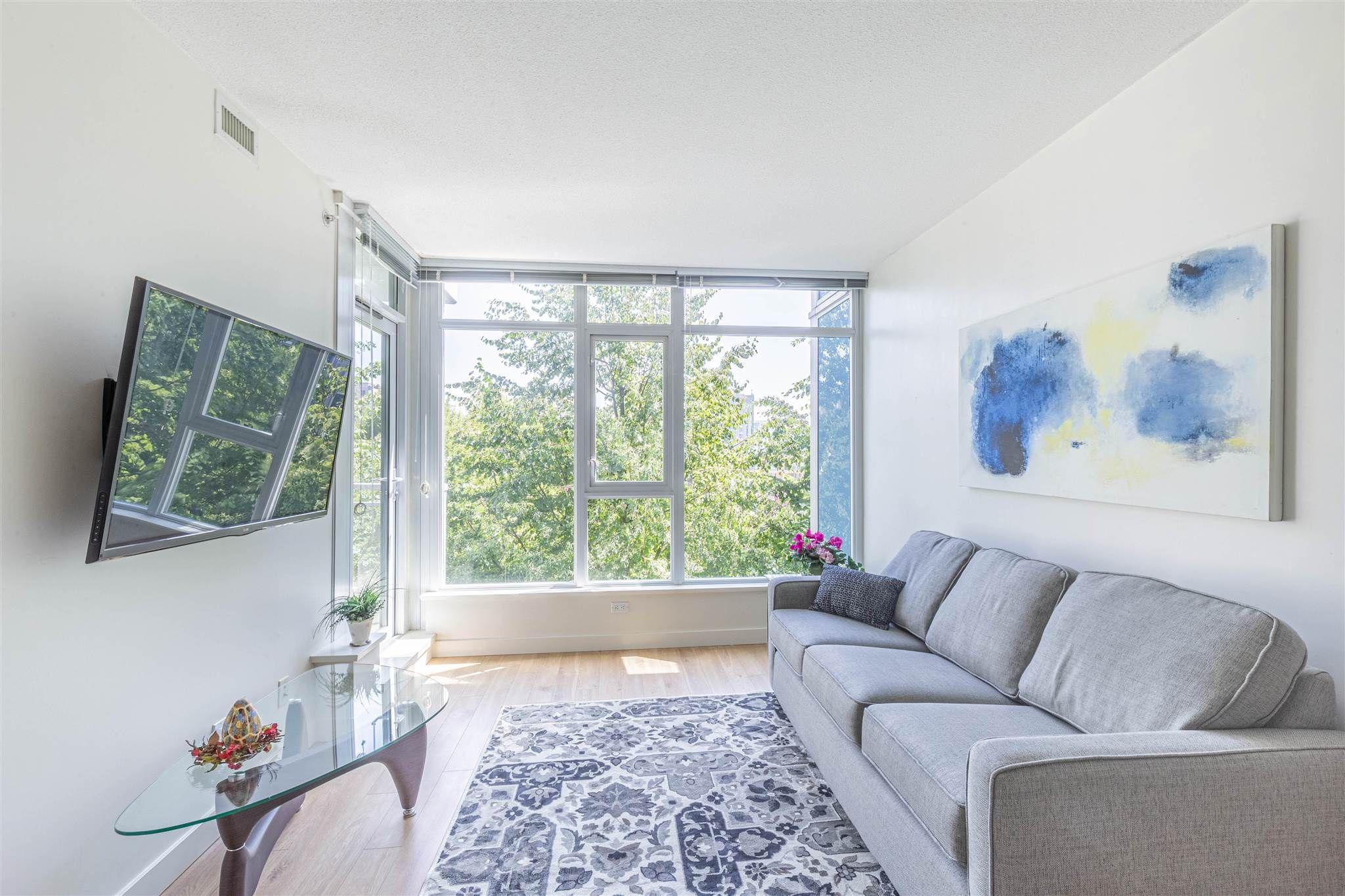 "Main Photo: 805 5900 ALDERBRIDGE Way in Richmond: Brighouse Condo for sale in ""LOTUS"" : MLS®# R2601936"