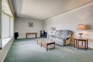 Photo 5: 2427 23 Street NW in Calgary: Banff Trail Detached for sale : MLS®# A1025508