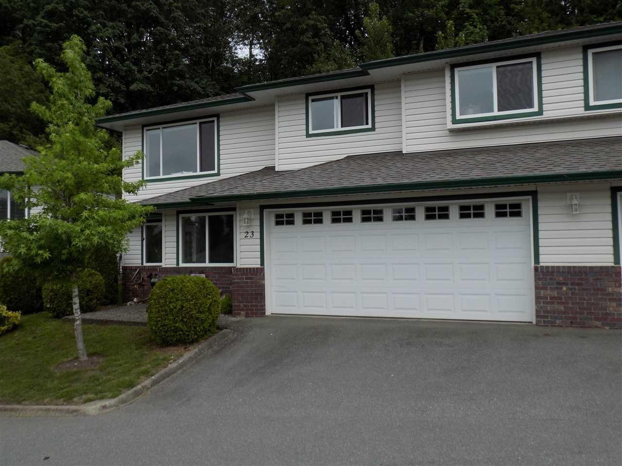 """Photo 2: Photos: 23 34250 HAZELWOOD Avenue in Abbotsford: Abbotsford East Townhouse for sale in """"Still Creek"""" : MLS®# R2374307"""