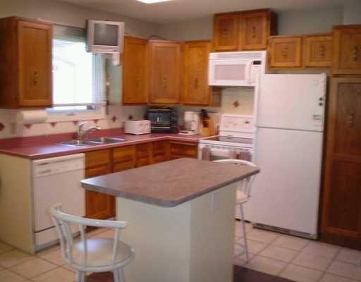 Photo 4: Photos: 27 ST MORITZ Road in WINNIPEG: North Kildonan Single Family Detached for sale (North East Winnipeg)  : MLS®# 2515320