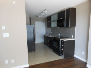 """Photo 3: 1110 13688 100 Avenue in Surrey: Whalley Condo for sale in """"Park Place One"""" (North Surrey)  : MLS®# F1423205"""