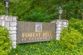 "Photo 2: 40 65 FOXWOOD Drive in Port Moody: Heritage Mountain Townhouse for sale in ""Forest Hill"" : MLS®# R2390192"