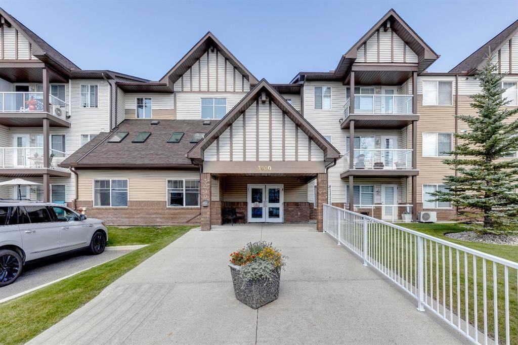 Main Photo: 3111 200 Community Way: Okotoks Apartment for sale : MLS®# A1142696