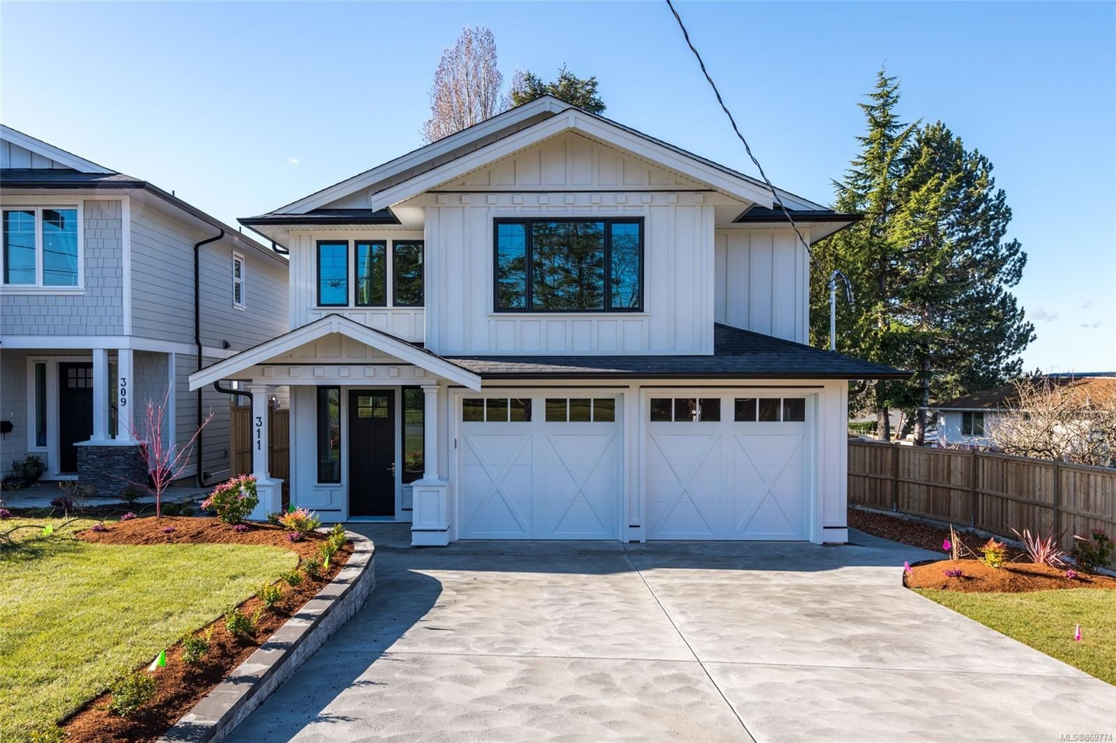 Main Photo: 311 Cadillac Ave in : SW Tillicum House for sale (Saanich West)  : MLS®# 869774