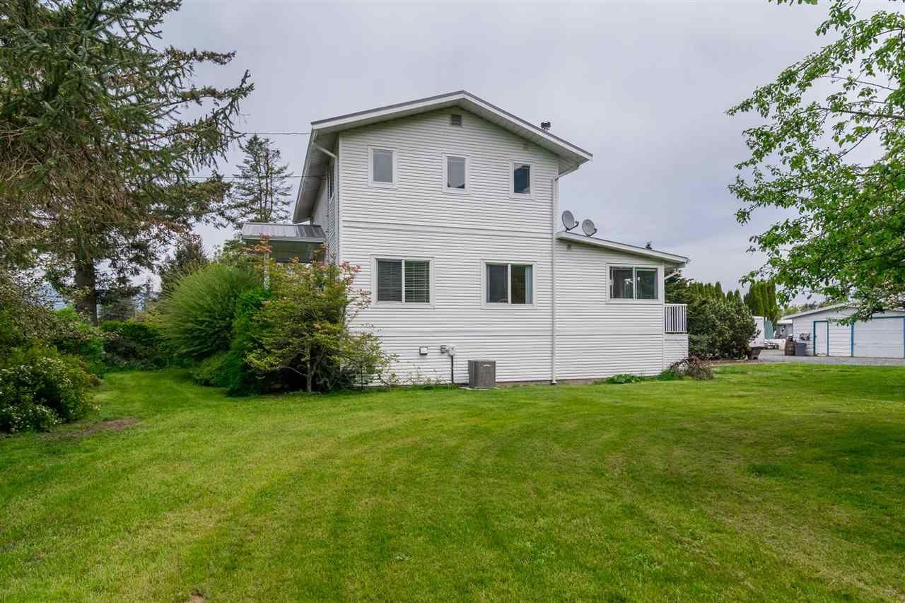 Photo 19: Photos: 3870 STEWART Road: Yarrow House for sale : MLS®# R2165934