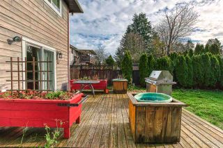 Photo 4: 20400 THORNE Avenue in Maple Ridge: Southwest Maple Ridge House for sale : MLS®# R2419754