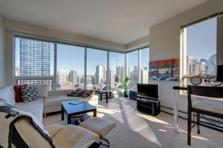 Photo 1: 1702 1053 10 Street SW in Calgary: Beltline Apartment for sale : MLS®# A1153630