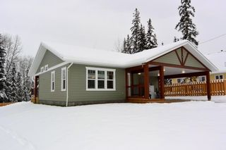 Photo 1: 1458 CHESTNUT Street: Telkwa House for sale (Smithers And Area (Zone 54))  : MLS®# R2521702